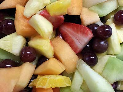 Fresh-Fruit-Salad-Picnic-Basket